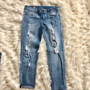 Kut Catherine mid rise  boyfriend stretch jeans